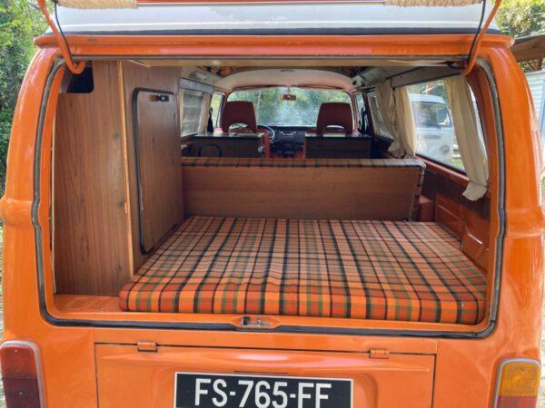 intérieur orange van vintage