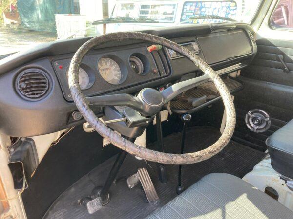 volant van vw 1971 aménagé
