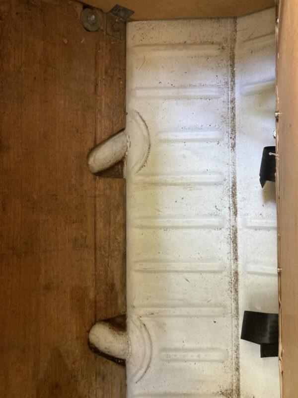 coffre sous le lit de van aménagé westfalia