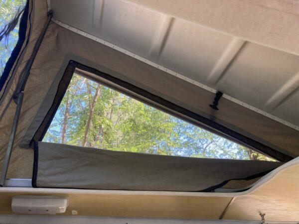 toile de toit avec moustiquaire